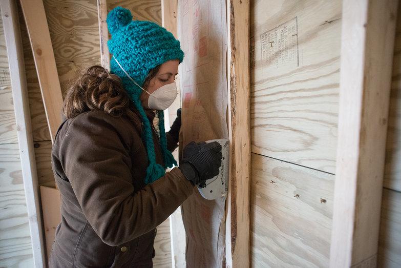 Tara Stapling Fiberglass Insulation