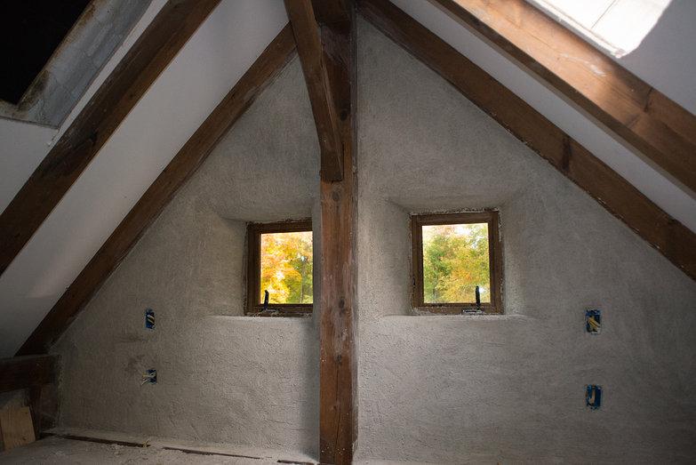 Straw Bale Cottage Loft and Fall Foliage Views