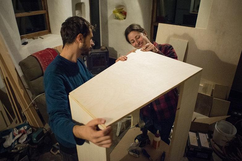 Lian & Tara Building Range Hood Cabinet