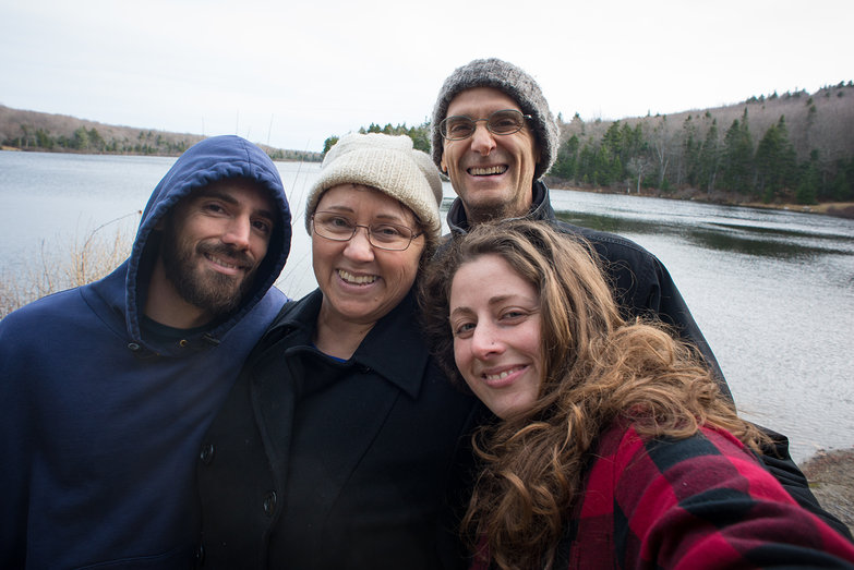 Lian, Lisa, Mark & Tara at Grout Pond