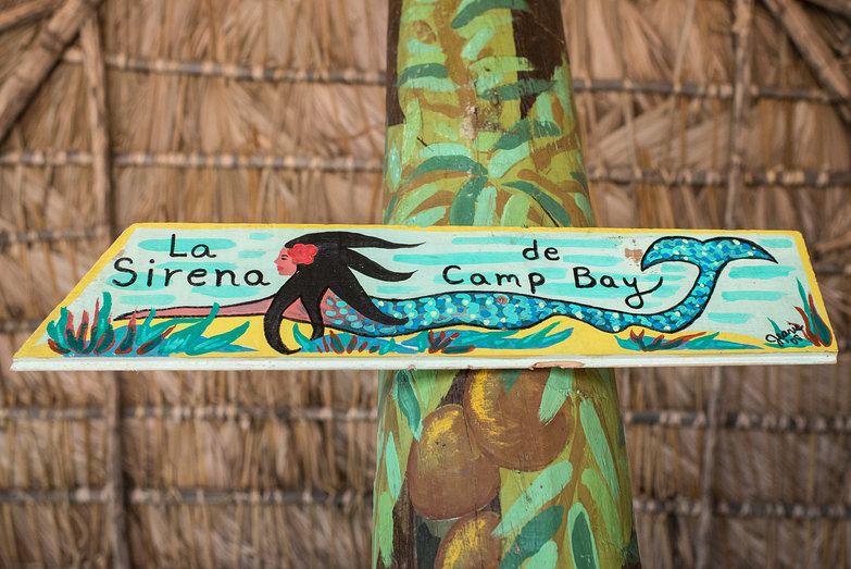 La Sirena de Camp Bay Sign