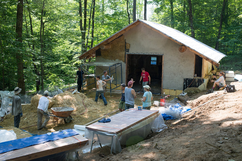 Plastering the Grindbygg Workshop
