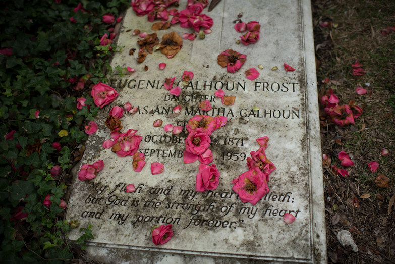 Eugenia Calhoun Frost's Grave (with Beautiful Flowers)
