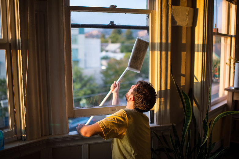 Lian Cleaning Oakland Apartment Window