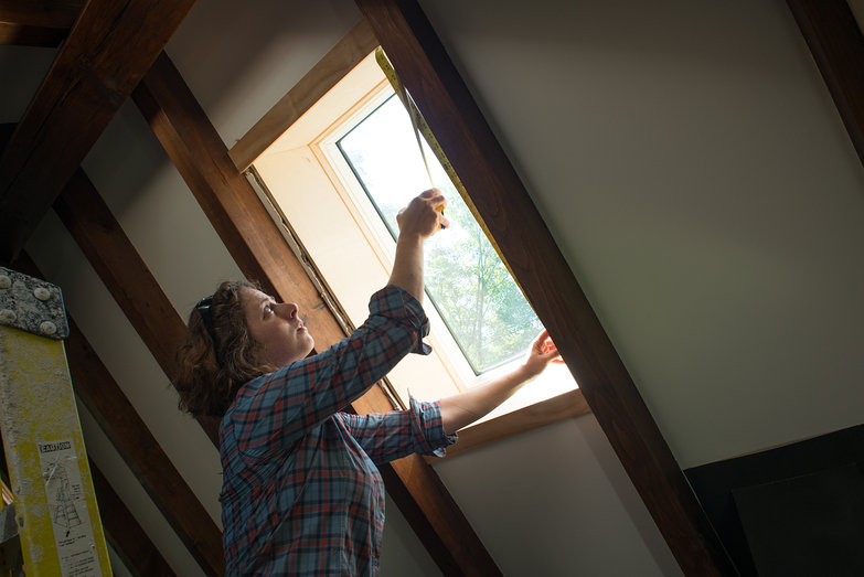 Tara Measuring for Skylight Trim