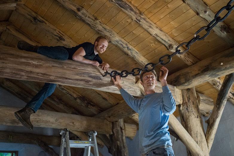 Erik & Tyler Installing Handforged Chain