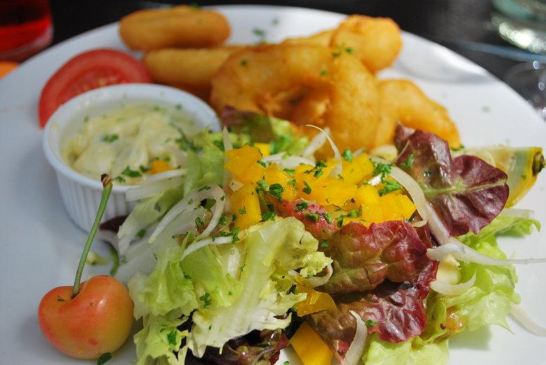 Salad & Calamari with Aioli