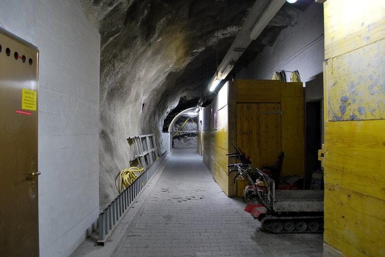 Matterhorn Express Hallway