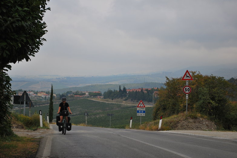 Tara Climbing in Tuscany