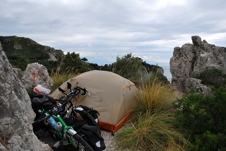 Almafi Coast Free camp