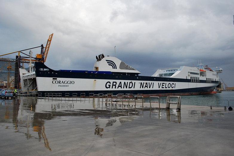Grandi Navi Veloci Coraggio Ferry