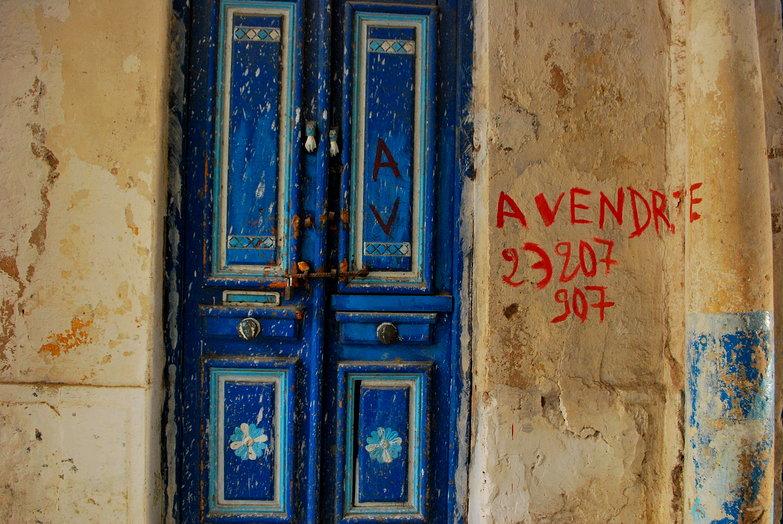 Blue Door a Vendre