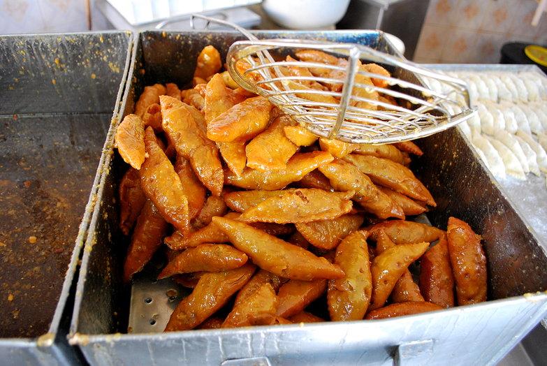 Freshly Fried Cornes de Gazelle