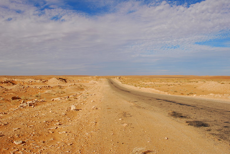 Road to Ksar Ghilane