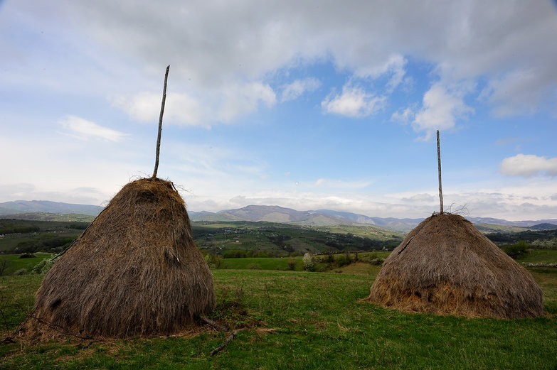 Romanian Haystacks