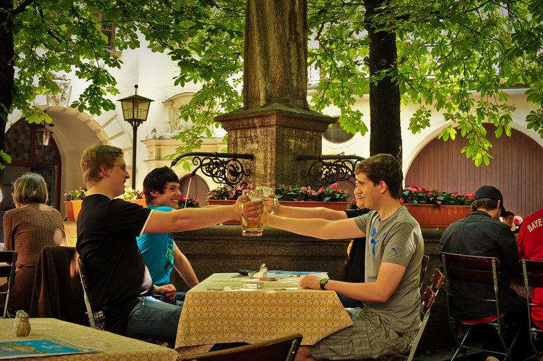 Hofbräuhaus Beer Garden