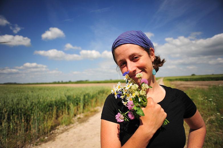 Tara & Wildflowers
