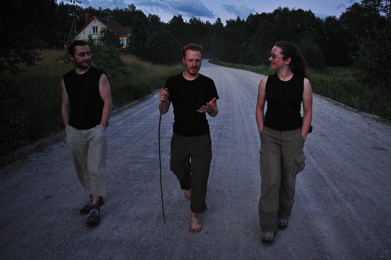 Tomas, Tyler & Jurgita Walking