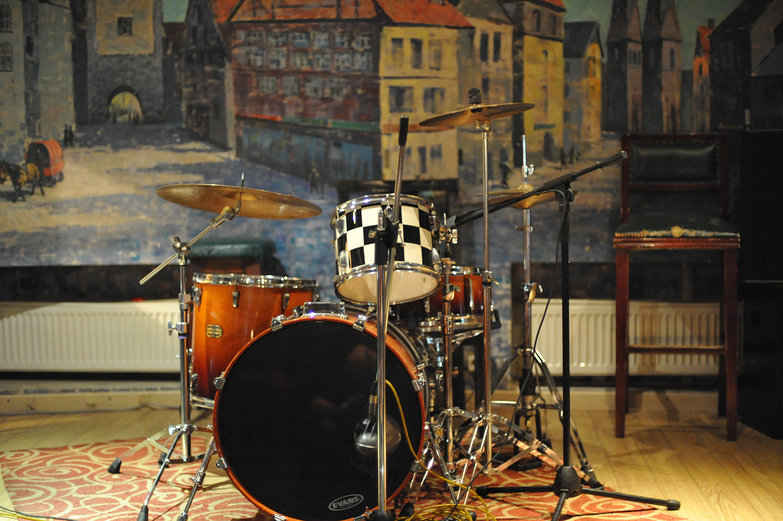 Ulaan Baatar Irish Pub Drum Set