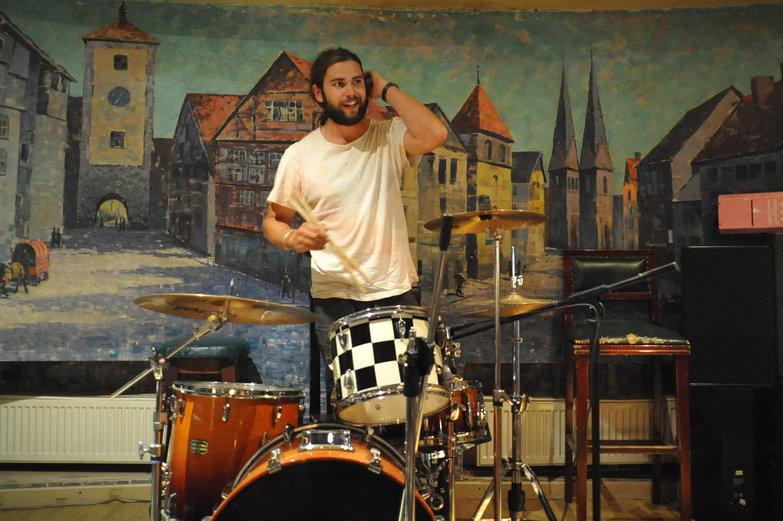 Freddie Drumming