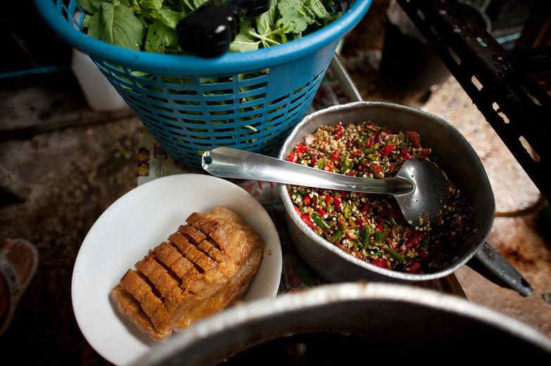Meat & Garlic-Chili Sauce