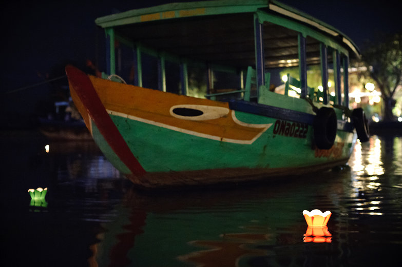 Hội An Lantern Festival Floating Lanterns & Boat