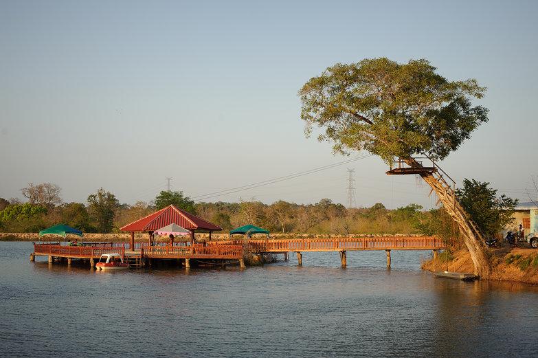 Lakeside Restaurant & Zipline