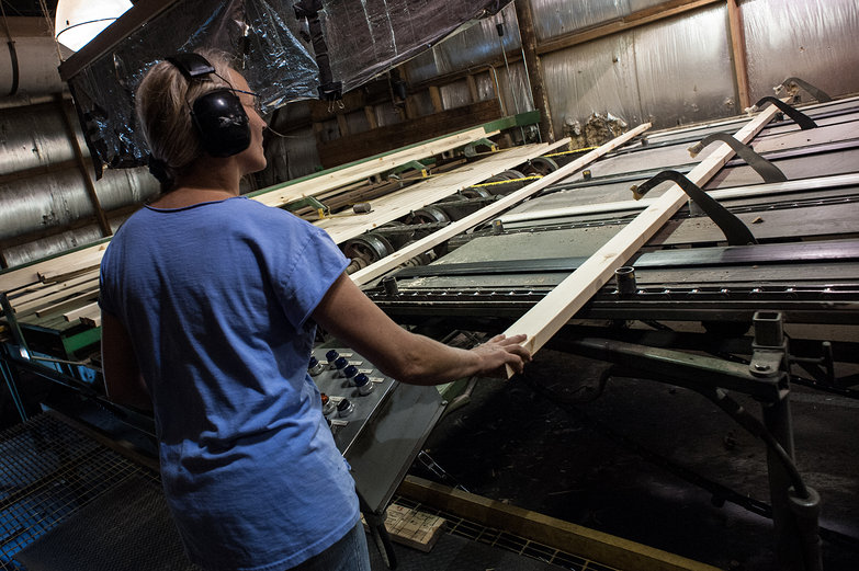 Hedstrom Lumber Employee Grading Boards