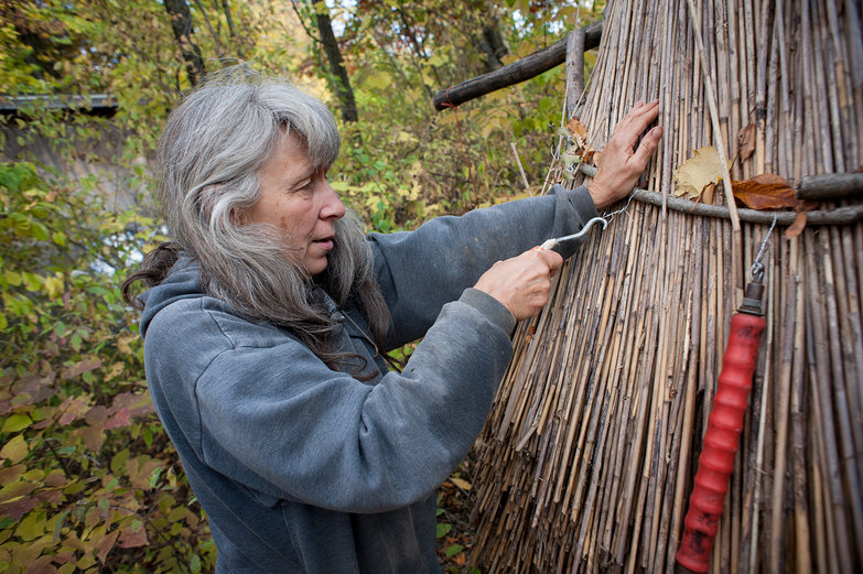 Deanne Demonstrating Thatching