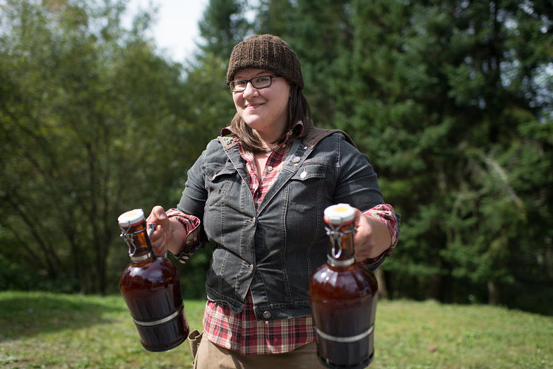 Jenna w/ Growlers of Cider